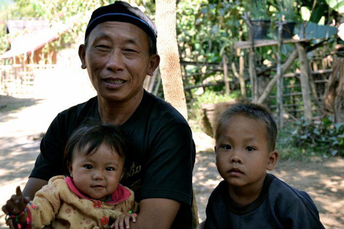 essay-laos-village-visit121